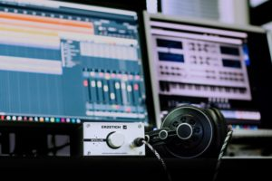 daw and headphones for music production